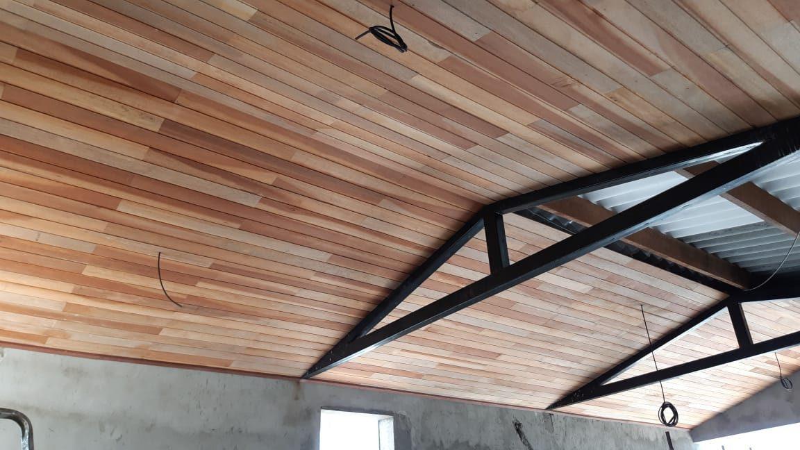 Forro de madeira Cedro Rajado 10cm - sku FL16010009