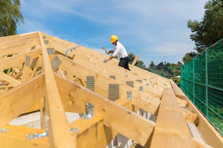 Quais os tipos de madeira para construção de casas?