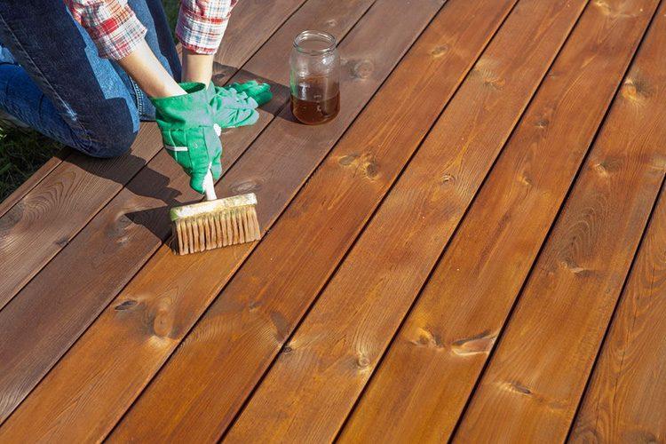 Como recuperar piso de taco de madeira?