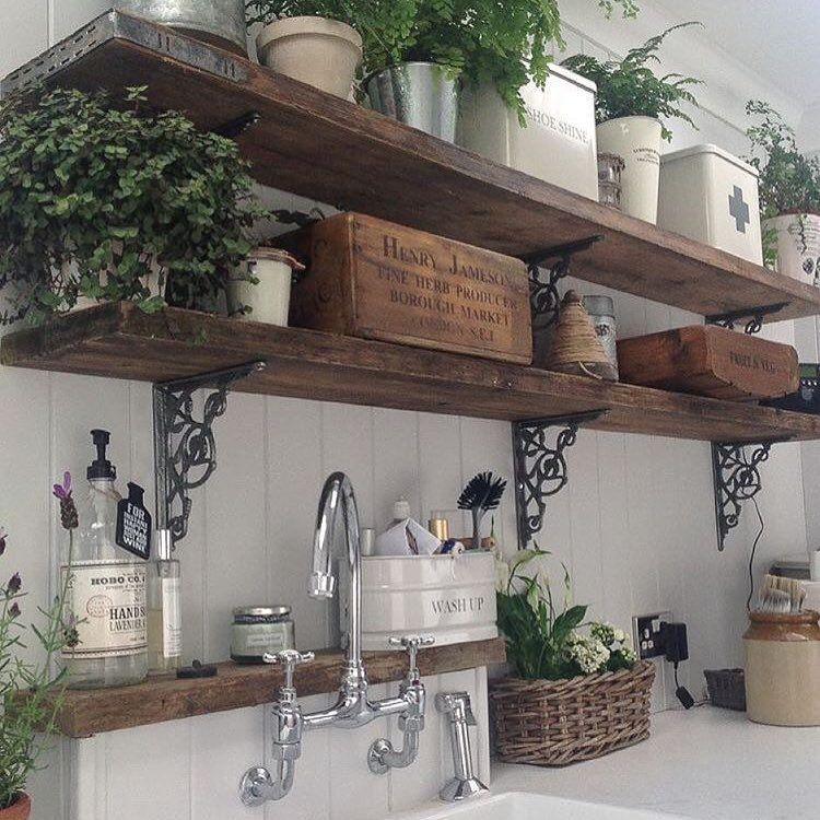 Prateleira de Madeira de Demolição para Cozinha: dê um up na sua decoração