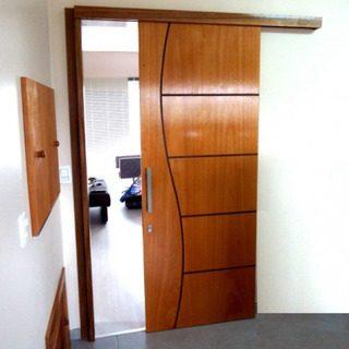 porta de correr de madeira para quarto pequeno