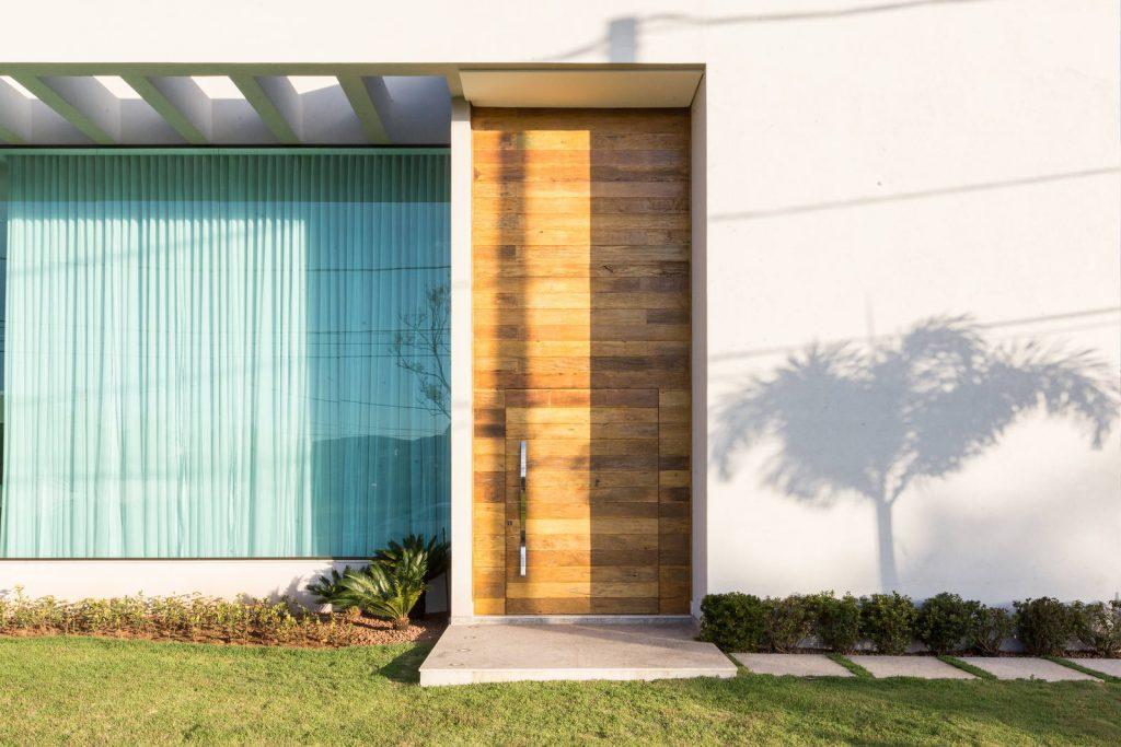 qual porta de madeira é melhor?