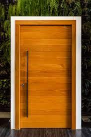 qual porta de madeira é melhor